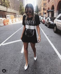 Few weeks ago,when Kylie Jenner instagrammed a photo of herself wearing an oversized t-shirt, thigh high boots, and a corset belt, we have realized that this tr