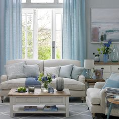 Cool blue coastal living room diy living room decor Coastal living rooms to recreate carefree beach days Coastal Living Rooms, Living Room Modern, Living Room Interior, Home Living Room, Living Room Furniture, Living Room Designs, Blue Curtains Living Room, Coastal Cottage, Coastal Decor