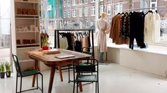 clothing/shoes • cp113 • Czaar Peterstraat 113