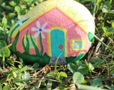 Fairy Rock House by FairyFresh on Etsy Putz Houses, Fairy Houses, Stone Painting, Rock Painting, Rock Queen, House On The Rock, Christmas Crafts, Christmas Ornaments, Stone Art