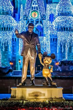 Disney Christmas News for Magic Kingdom Disney World News, Disney World Vacation, Disney Vacations, Disney Trips, Disney Parks, Walt Disney World, Disneyland Christmas, Disney World Christmas, Disney Holidays