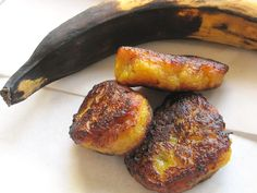 In Erika's Kitchen: Plantain recipe: Rellenitos (plantain patties stuffed with black beans)