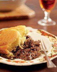 Overbergse skenkelpastei Lamb Recipes, Fish Recipes, Vegan Recipes, Cooking Recipes, Recipies, Eastern European Recipes, European Cuisine, West African Food, South African Recipes
