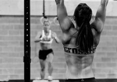 Camille Leblanc-Bazinet Pullup at CrossFit Reebok Ramsay's Grand Opening WOD Crossfit Workouts At Home, Crossfit Motivation, Crossfit Ladies, Crossfit Baby, Crossfit Chicks, Crossfit Females, Crossfit Exercises, Daily Workouts, Training Motivation