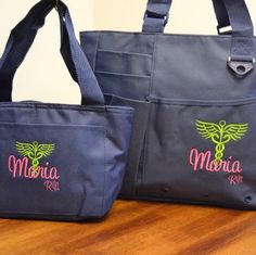 Nurse personalized custom tote bag set with lunch box. Makes an awesome gift for a RN, LPN, CNA, or nursing student. Great to use for clinicals!