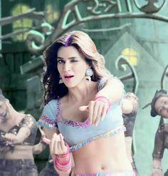 Beautiful Bollywood Actress, Most Beautiful Indian Actress, Cute Girl Photo, Girl Photo Poses, Deepika Padukone Style, Bollywood Bikini, Beautiful Girl Image, Indian Beauty Saree, Bollywood Celebrities