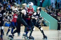 Copenhagen Roller Derby – Rollin Heartbreakers vs. Dock City Rollers (SWE) #rollerderby © 2014 Peter Troest. All rights reserved.