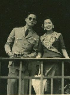 Long Live Their Majesties The King & The Queen Of Thailand. King Phumipol, King Rama 9, King Of Kings, King Queen, King Thailand, Thailand Art, King Of My Heart, King Of Hearts, Laos
