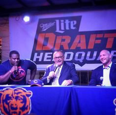 Bears greats Dick Butkus and Brian Urlacher!!  Good times!!