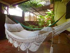 Single Hammock hand-woven Natural Cotton Special Fringe.