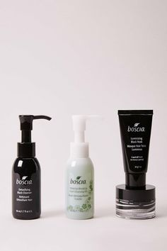 DetailsWhat it is: A 4 - piece skincare kit that promotes healthy and radiant skin. Solution for: - Acne/Blemishes - Dryness/Uneven skin texture - Oiliness - Pores/BlackheadsWant to know more…You'll never join another skincare squad after using boscia's botanical besties skincare kit. The Luminizing Black Charcoal Mask is a peel - off mask that boosts skin clarity and minimizes the appearance of pores, while removing impurities and controlling excess oil. The Makeup - BreakUp Cool Cleansing Oil Black Charcoal Mask, Natural Hair Mask, How To Grow Eyebrows, Acne Blemishes, Peel Off Mask, Healthy Oils, Uneven Skin, Younger Looking Skin, Cleansing Oil