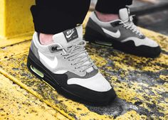 info for fc2b2 31989 Dave White x size  x Nike Air Max 1 - 2005 (by eiertyp)