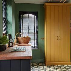 Farrow Ball Calke Green - Interiors By Color Design Studio, House Design, Farrow And Ball Living Room, Modern Home Interior Design, Yellow Doors, Yellow Bathrooms, Green Rooms, Farrow Ball, Back To Nature