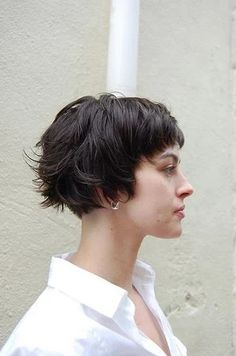 35 Short Haircuts for Thick Hair – Hair Styles Cute Short Haircuts, Girl Haircuts, Bob Hairstyles, Hipster Haircuts, Short Shaggy Haircuts, Layered Hairstyles, Pixie Haircuts, Latest Hairstyles, Pelo Pixie