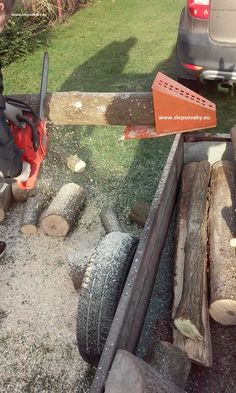 log saw horse holder for chinesaw, cutting of wood Firewood Logs, Firewood Rack, Log Saw, Log Splitter, Log Holder, Rough Wood, Wood Shed, Into The Woods, Welding Projects