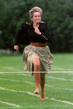 La princesa Diana en 1991 - carrera anual de las madres en Wetherby (escuela de Harry) en Notting Hill .: