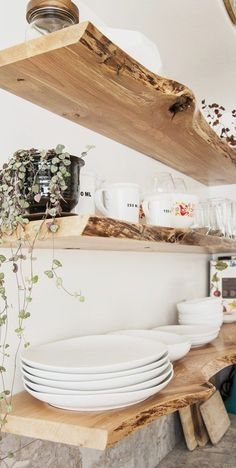 Küche Live Edge schwimmende Regale Diy Regal Halterung Wohnzimmer Beach House S The Effective Pictures We Offer You About Beauty Products Live Edge Shelves, Corner Shelves, House Shelves, Kitchen Shelves, Wood Shelves, Floors Kitchen, Plant Shelves, Kitchen Cabinets, Diy Regal