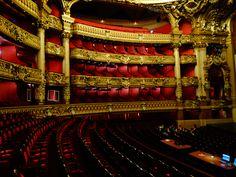 Opera de Paris. Um dos meus lugares favoritos em Paris. Os ingressos já estão a venda! Saiba mais em www.ohlaladani.com.br