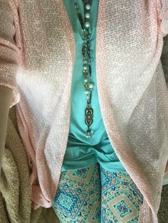 Plunder necklace Turquoise Irma Peach Lindsey Turquoise and peach leggings