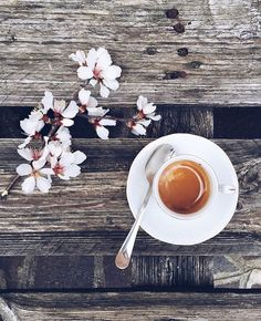 """""""Hello coffee or tea lovers !!! Today the feature is by @1popi2 Love going through all of your pictures tagged #coffeeandseasons or #teaandseasons So many…"""""""