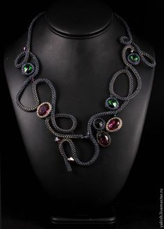 Discussion on LiveInternet - Russian Service Online Diaries Handmade Beaded Jewelry, Beaded Jewelry Patterns, Seed Bead Necklace, Diy Necklace, Ideas Joyería, Bead Crochet Patterns, Geometric Necklace, Beads And Wire, Bead Weaving