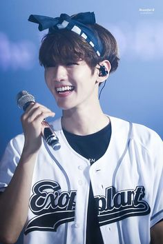 Baekhyun - 160731 Exoplanet - The EXO'rDium in Seoul Credit: Beautiful B. Chanyeol, Kyungsoo, Exo Chanbaek, Hapkido, Bts And Exo, Exo K, Exo 2017, Xiuchen, Wattpad