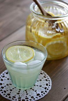 自家製レモンシロップでレモネード