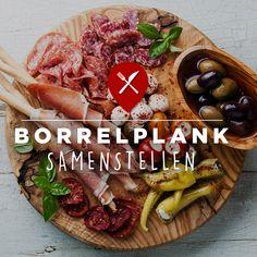 Zo maak je de perfecte kaas- of borrelplank! #borrelen #borrelplank #kaasplank #snacks #kaas #worst #ham #groenten #fruit #dips #smeersels #warmehapjes #hapjes #lekker #eten