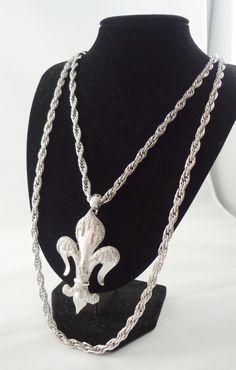 Monet Fleur de Lis Pendant / Detachable Brooch Necklace c. 1970s