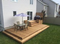 Large backyard landscaping ideas are quite many. However, for you to achieve the best landscaping for a large backyard you need to have a good design. Small Backyard Decks, Large Backyard Landscaping, Decks And Porches, Landscaping Ideas, Small Pergola, Modern Pergola, Patio Ideas, Small Decks, Pergola Ideas