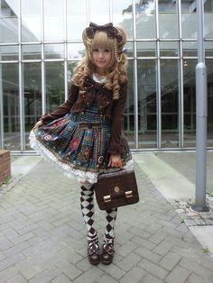 loyal rosette ☆*:.。. o(≧▽≦)o .。.:*☆