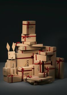 BagAddicts Anonymous: Loewe Christmas 2011 Collection In Stores Now!