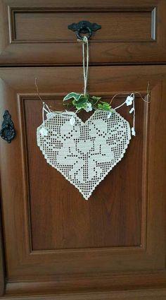 Filet Crochet, Crochet Doily Diagram, Crochet Mittens, Crochet Doilies, Crochet Stitches Patterns, Knitting Patterns Free, Stitch Patterns, Basic Embroidery Stitches, Butterfly Cross Stitch