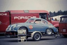 vetresto:  thechicane:  Via Porsche Classic  Awesome-vw love