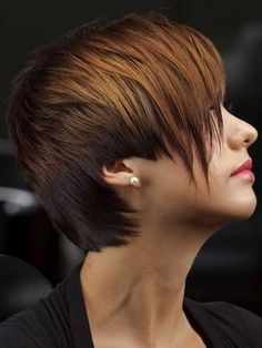 Intriguing-Asymmetric-Pixie-Cut-with-Different-Hues of highlights...I like the color contrast of the front and back!