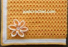 Free baby crochet pattern for crib blanket http://www.justcrochet.com/crib-blanket-usa.html #justcrochet