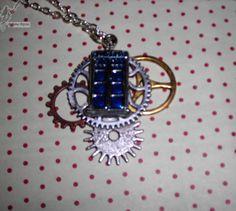 10€ Tardis, Steampunk, Pendant Necklace, Jewelry, Fashion, Art Crafts, Jewerly, Moda, Jewlery