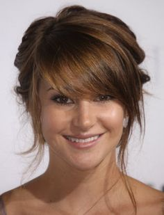 shailene woodley has perfect bangs.going to get my bangs like this!