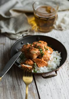 I hesitated to share this tandoori chicken recipe because it's kind of a dollar store version. In other words, it's pretty basic, but it does the trick. I Love Food, Good Food, Awesome Food, Confort Food, Indian Food Recipes, Ethnic Recipes, Cooking Recipes, Healthy Recipes, Perfect Food