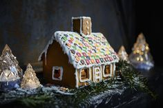 Build the gingerbread house of your dreams with friends and family! The IKEA VINTERSAGA candy collection contains kits that are easy and ready to decorate. Ikea Christmas, Diy Christmas Lights, Christmas On A Budget, Christmas Candles, Outdoor Christmas Decorations, Simple Christmas, Christmas Time, Cosy Christmas, Ikea Gingerbread House