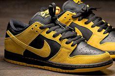 6ae37e9cacdb Nike Dunk Low SB University Gold Black Release