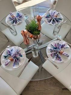 Modern dining room inspiration with vintage copper napkin rings Dining Room Inspiration, Home Accessories, Table Decorations, Napkin Rings, Brunch, Copper, Modern, Design, Home Decor