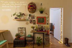 Decoração de: Sala de estar; parede de quadrinhos; Casa de Valentina