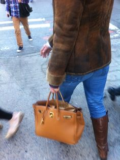 louis vuitton ostrich bag - Wednesday, February 22, 2012, 12 p.m outside Apple Store: Birkin ...