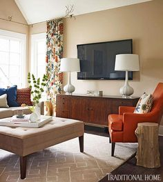 Wall paint:  Benjamin Moore Bar Harbor Beige.  O'More College of Design Showhouse - Traditional Home