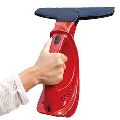 Snoerloze ramenreiniger  Description: Heeft u moeite om ruiten en spiegels streeploos te reinigen? Met deze ruitenreiniger wist en zuigt u in een handomdraai. Snoerloos dus handzaam en licht van gewicht. Het water drupt niet op uw kozijnen of vensterbank maar wordt door deze reiniger volledig opgezogen. Nawrijven is overbodig. Ideaal voor alle gladde oppervlakken zoals: ruiten spiegels tegels douchecabines glasplaten hoogglanzende keukenfronten etc. Met duidelijke gebruiksaanwijzing. Werkt…