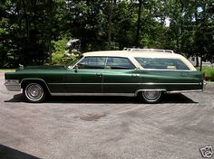 1969 Cadillac wagon - 5 of these were made by GM to chauffeur their executives around for the 1969 Indy 500 race season. These starting their life as loaded Fleetwood 4 door Broughams. Gmc Trucks, Chevrolet Trucks, Diesel Trucks, Lifted Trucks, Station Wagon Cars, Chevrolet Corvette, Chevrolet Caprice, 1957 Chevrolet, Chevy