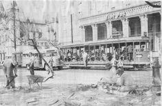 cine Pax da foto no inicio dos anos 60. O cinema inaugurado em um prédio da própria igreja em 1952 ficou famoso principalmente pela programação sendo um dos 3 grandes cinemas do bairro junto com o Ipanema e o Astória,