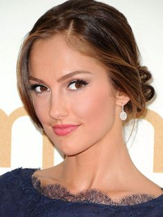 Emmys '11: The top 10 beauty looks (hint: Minka Kelly gets my vote!), plus 3 that I'm just not sure about