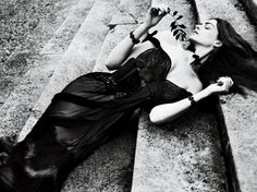 Photoshoot: Anne Hathaway by Mert and Marcus for Interview Magazine, September 2011